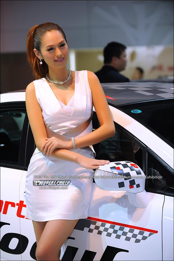 2010第八届广州国际车展之东风Honda车模  www.robpic.com