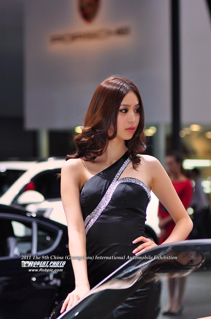 2011第九届广州国际车展 保时捷车模   www.robpic.com
