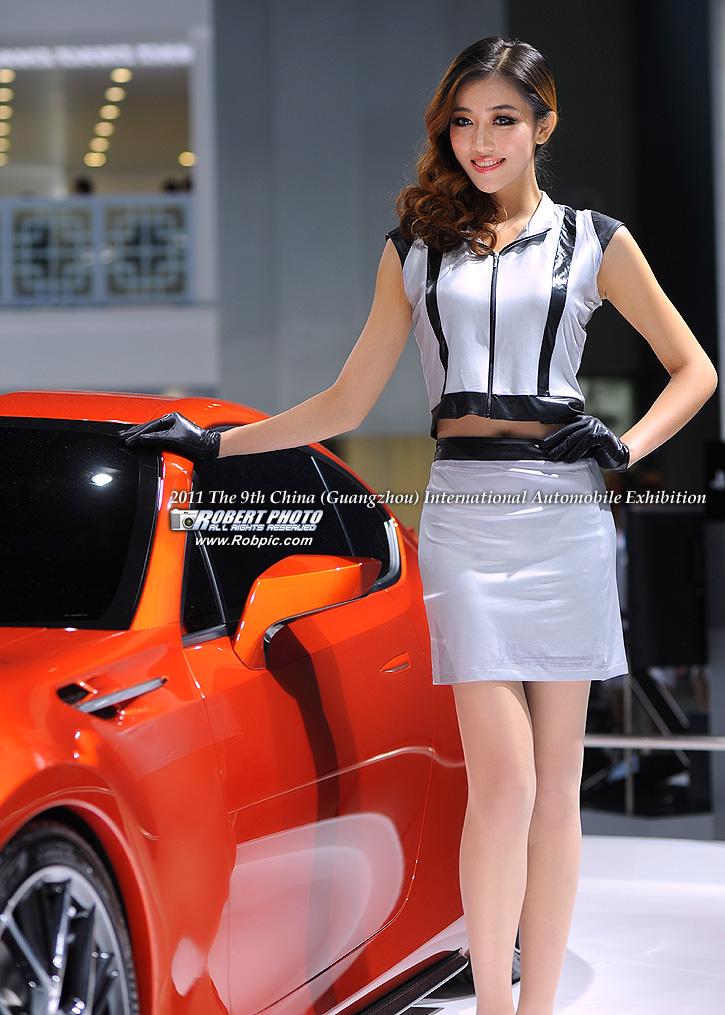 2011第九届广州国际车展 丰田车模   www.robpic.com