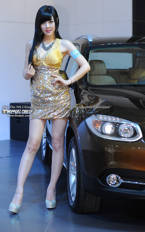 2011第九届广州国际车展 韩国车模黄美姬 华晨展台 www.robpic.com
